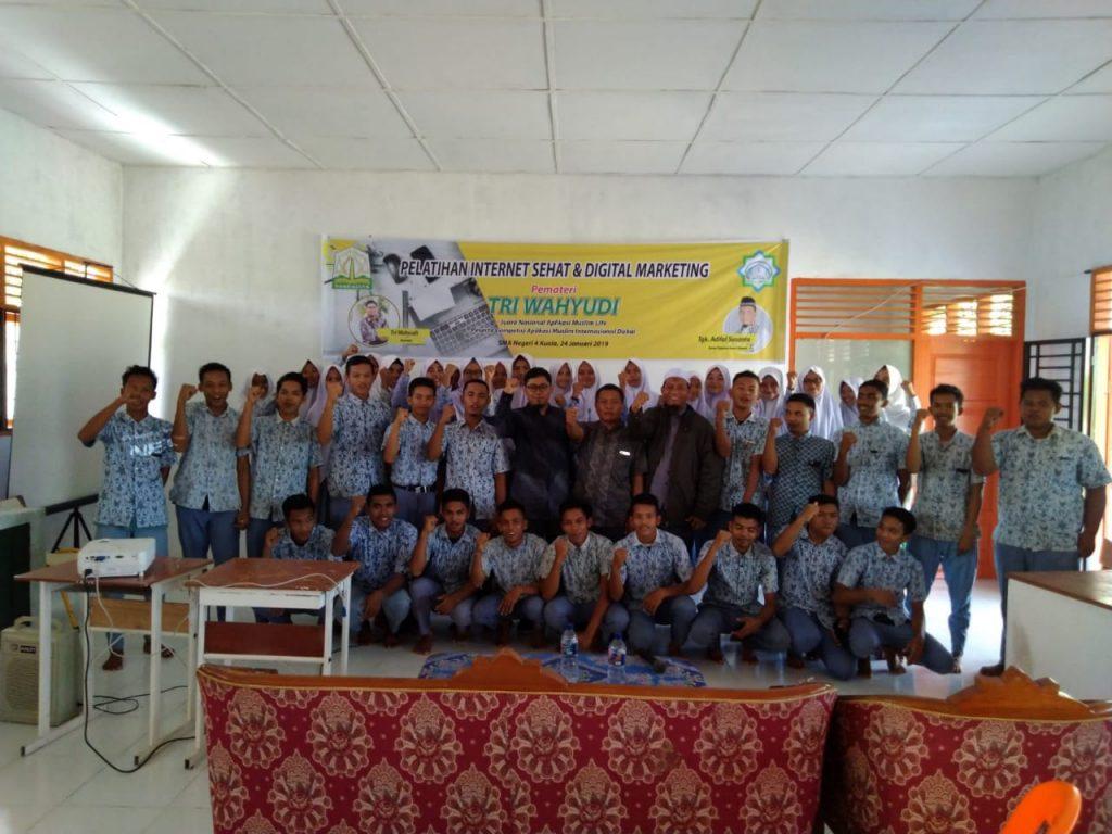 SMA N 4 Nagan Raya Mengadakan Pelatihan Internet Sehat Dan Digital ...